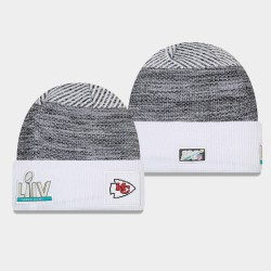 Männer New Era Kansas City Chiefs Heather Grey Weiß Super Bowl LIV Sideline Cuffed Wollmütze